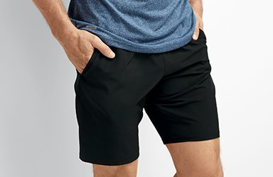 Man wearing woven short